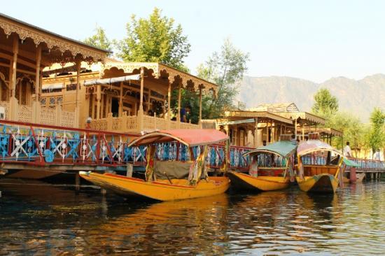 Lac dal shikara